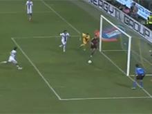 Piekny gol J�r�me'go M�nez'a w meczu ligi w�oskiej