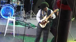 Afroman uderzy� fank� podczas wyst�pu!