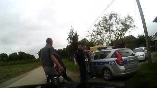Publiczny lincz w Koprzywnicy na oczach policjant�w