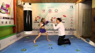 Ma�a dziewczynka na ringu