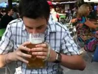 Mistrz w szybkości picia piwa
