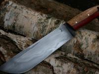 Jak powstaje nóż do leśnych wypadów