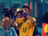 Fenomenalne trafienie Neymara ozdobą meczu Brazylia - Kolumbia!