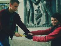 Kradzież bezdomnemu - eksperyment społeczny