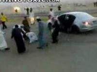 arab + samochód = latający arab:P