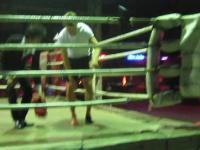 Pijany koleś vs profesjonalny zawodnik w Mauy Thai