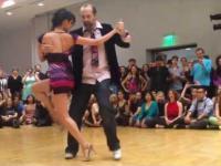 Długonogie tango