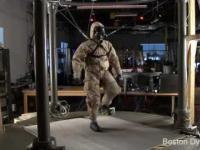 Boston Dynamics testuje robota PETMAN w pełnym ubraniu
