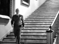 Spróbuj tak zejść po schodach