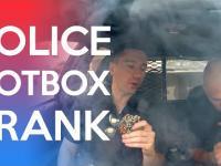Policja z bongiem w radiowozie
