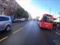 Pasażer autobusu z sokolim wzrokiem