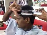 Ten facet nie musi chodzić do fryzjera