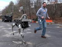 Nowy model robota kroczącego od Boston Dynamics - Spot Robot