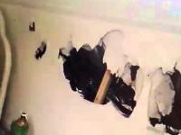 Pijani Polacy niszczą pokój hotelowy