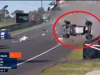 Mega Wypadek - Aussie Racing Cars Bathurst 2015