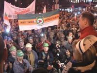 Race, petardy, kilka tysięcy osób. Górnicy protestują w Gliwicach