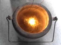 Pomarańczowa dioda w ciekłym azocie
