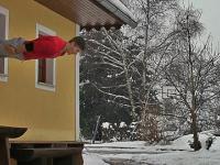 Dominik Sky - Skoki przez okna