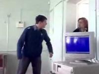 Jebnięty ruski uczeń. Negocjacje z nauczycielką.