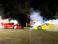 Ferrari F-50 przeciągają  linę