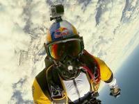 Red Bull Skydive z 10.000 metrów nad Mont Blanc przy -55 stopniach