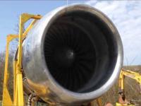 Odpalanie silnika z Boeinga 747 na podwórku