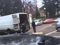 Niezadowolony Czech demoluje towar i auto kuriera