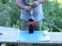 Coca cola, mentos i... kondom