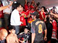 Przyszedł na mecz Liverpoolu w koszulce Manchesteru United