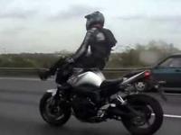 Ruski kozak na motorze