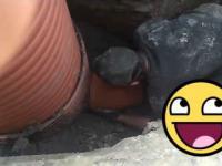 #1 Pokaż to KOLANO! Czesiek Hydraulik. Drunk polish plumber .