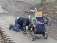 Złomiarz i jego wózek