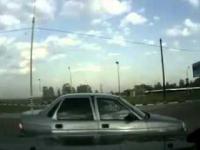 Próba kradzieży auta w Rosji