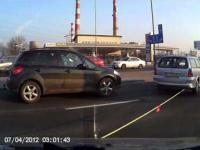 Kobieta ładuje się w line holowniczą / Woman Striking A Rope Tow