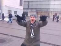 Zabawny Dziadek Tańczy w Krakowie