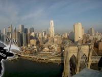 Lot modelu nad Nowym Jorkiem