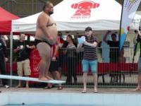 Zawody w skakaniu do wody