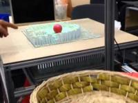 Niewiarygodny stół stworzony dzięki najnowszej technologi