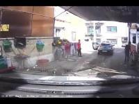 Kierowca na myjni