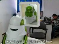 Robot Qbo rozpoznaje się w lustrze