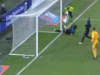 Paulo Dybala i jak z metra nie trafić do bramki