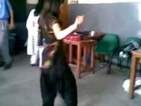 Azjatyckie dziewczyny w klasie tańca