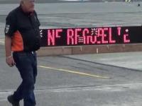 Gary Rothwell pobił nowy rekord  Guinnessa na jezdzie motocyklem na jednym kole przy 209.8 mil