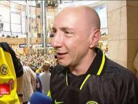 Wzruszony kibic Borussii Dortmund