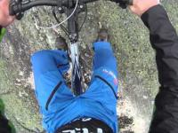 Base Jumping - skok z rowerem 100m. w dół