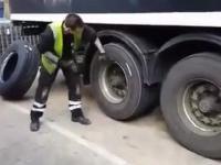 Szybka wymiana opony w ciężarówce