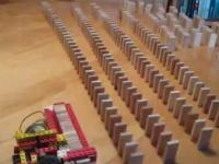 Maszynka do układania domino (Klocki lego)