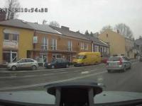 Policja która łamie przepisy ruchu drogowego