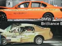 Crashtest chińskiego i niemieckiego samochodu