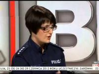 Jan Pospieszalski MASAKRUJE policje - Marsz Niepodleglości 2014 + pollicja przebrana za kibiców!